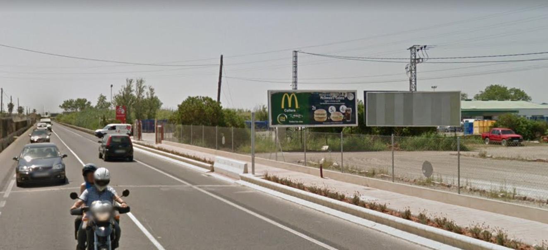 Vallas publicitarias Perelló en la CV500. El perello. Cerca de Sueca, Alzira, Valencia., Carteles publicitarios